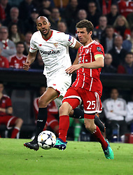 11.04.2018, Allianz Arena, Muenchen, GER, UEFA CL, FC Bayern Muenchen vs Sevilla FC, Viertelfinale, R&uuml;ckspiel, im Bild Steven N'Zonzi und Thomas M&uuml;ller // during the UEFA Champions League Quarterfinal, 2nd leg Match between FC Bayern Muenchen vs Sevilla FC at the Allianz Arena in Muenchen, Germany on 2018/04/11. EXPA Pictures &copy; 2018, PhotoCredit: EXPA/ SM<br /> <br /> *****ATTENTION - OUT of GER*****