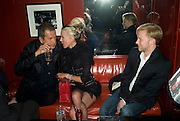MARIO TESTINO, DAPHNE GUINNESS AND JAN OLESON, The Wonderland and Moet party. The Red Bar. Grosvenor House Hotel. Park Lane, London. 18 April 2008 *** Local Caption *** -DO NOT ARCHIVE-© Copyright Photograph by Dafydd Jones. 248 Clapham Rd. London SW9 0PZ. Tel 0207 820 0771. www.dafjones.com.