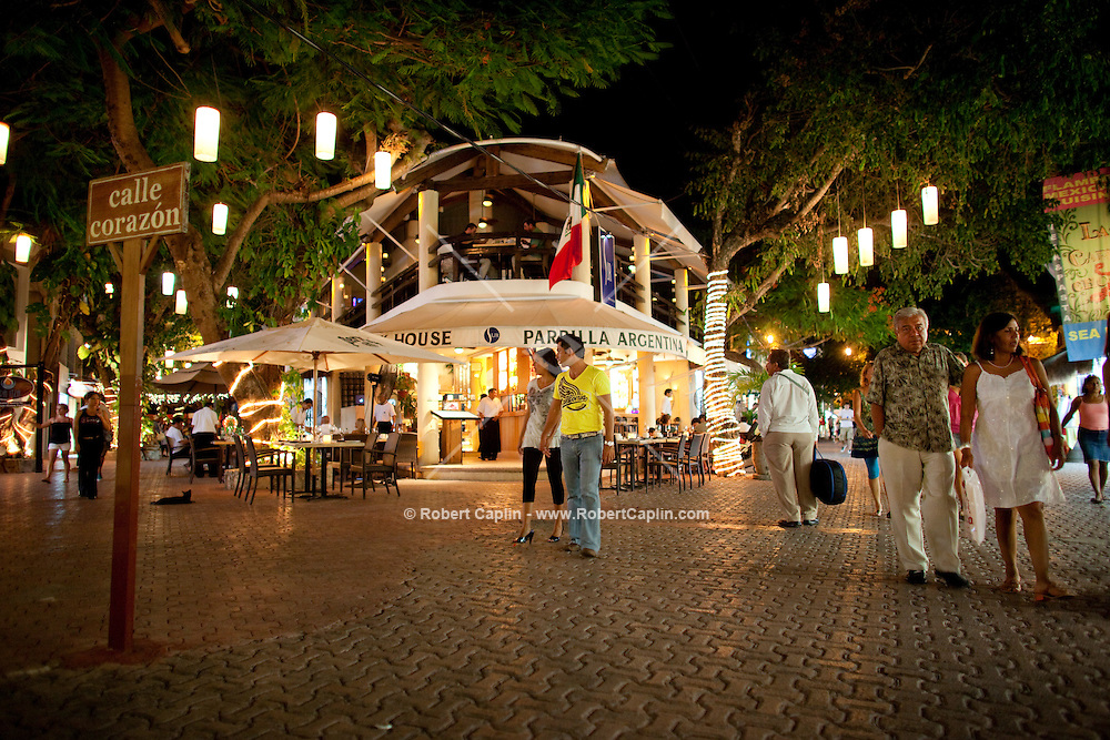 5th Avenue in Playa del Carmen, Mexico. (Photo By Robert Caplin