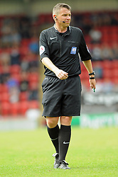 Referee Gary Sutton - photo mandatory by-line David Purday JMP- Tel: Mobile 07966 386802 02/08/14 - Leyton Orient v Ipswich Town - SPORT - FOOTBALL - Pre season - London -  Matchroom Stadium