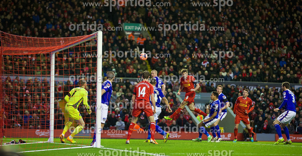 05.01.2014, Anfield, Liverpool, ENG, FA Cup, FC Liverpool vs FC Oldham Athletic, 3. Runde, im Bild Liverpool's captain Steven Gerrard sees his header go over the bar against Oldham Athletic // during the English FA Cup 3rd round match between Liverpool FC and Oldham Athletic FC at the Anfield in Liverpool, Great Britain on 2014/01/05. EXPA Pictures &copy; 2014, PhotoCredit: EXPA/ Propagandaphoto/ David Rawcliffe<br /> <br /> *****ATTENTION - OUT of ENG, GBR*****