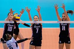 20-05-2016 JAP: OKT Italie - Nederland, Tokio<br /> De Nederlandse volleybalsters hebben een klinkende 3-0 overwinning geboekt op Itali&euml;, dat bij het OKT in Japan nog ongeslagen was. Het met veel zelfvertrouwen spelende Oranje zegevierde met 25-21, 25-21 en 25-14 / Lonneke Sloetjes #10, Quinta Steenbergen #7, Anne Buijs #11, Miriam Fatime Sylla #16 of Italie