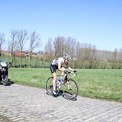 03-04-2016: Wielrennen: Ronde van Vlaanderen vrouwen: Oudenaarde  <br />OUDENAARDE (BEL) cycling  The sixth race in the UCI Womensworldtour is the ronde van Vlaanderen. A race over the famous Flemish climbs. Haaghoek, Thalita de Jong