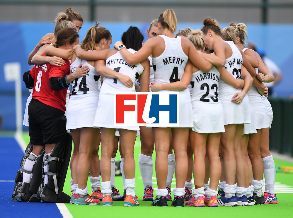 The New Zealand team gather after loosing to Germany in a women's field hockey match of the Rio 2016 Olympics Games at the Olympic Hockey Centre in Rio de Janeiro on August, 8 2016. / AFP / MANAN VATSYAYANA        (Photo credit should read MANAN VATSYAYANA/AFP/Getty Images)
