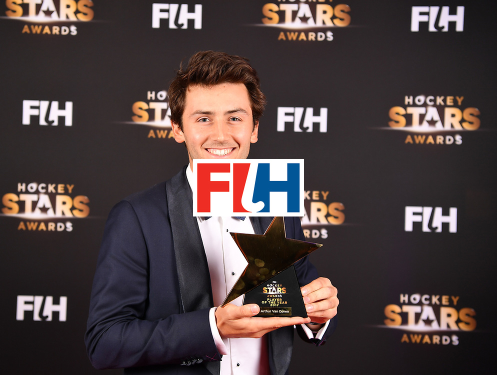 BERLIN, GERMANY - FEBRUARY 05:  Arthur van Doren  of Belgium holds his rising star award during the Hockey Star Awards night at Stilwerk on February 5, 2018 in Berlin, Germany.  (Photo by Stuart Franklin/Getty Images For FIH)
