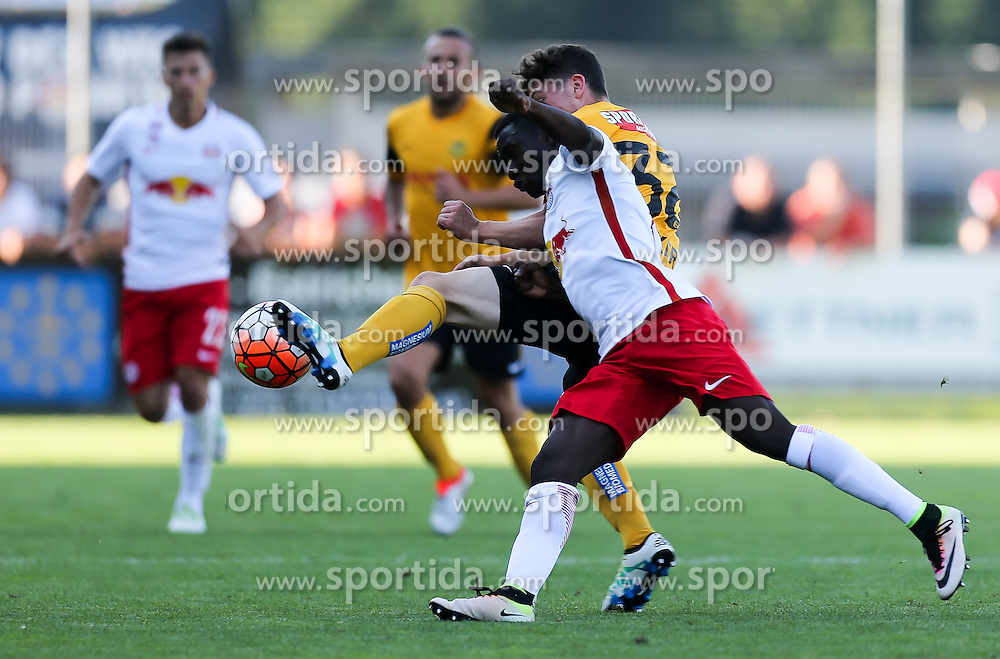 01.07.2016, Sportarena, Strasswalchen, AUT, Testspiel, FC Red Bull Salzburg vs BSC Young Boys, im Bild v.l. Linus Obexer (BSC Young Boys Bern), Diadie Samassekou (FC Red Bull Salzburg) // during a friendly football match between FC Red Bull Salzburg and BSC Young Boys at the Sportarena in Strasswalchen, Austria on 2016/07/01. EXPA Pictures © 2016, PhotoCredit: EXPA/ Roland Hackl
