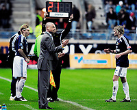 Fotball , 15. Mars 2009 , Tippeligaen , Viking - Odd Grenland , Stavanger Stadion , Tomasz Sokolowski kommer inn for Viking , ut går Birkir Bjarnarson