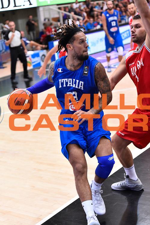 DESCRIZIONE : Trento Nazionale Italia Uomini Trentino Basket Cup Italia Austria Italy Austria <br /> GIOCATORE : Daniel Hackett<br /> CATEGORIA : Palleggio<br /> SQUADRA : Italia Italy<br /> EVENTO : Trentino Basket Cup<br /> GARA : Italia Austria Italy Austria<br /> DATA : 31/07/2015<br /> SPORT : Pallacanestro<br /> AUTORE : Agenzia Ciamillo-Castoria/GiulioCiamillo<br /> Galleria : FIP Nazionali 2015<br /> Fotonotizia : Trento Nazionale Italia Uomini Trentino Basket Cup Italia Austria Italy Austria