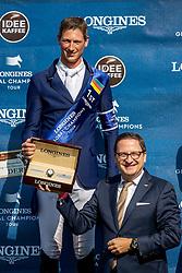 DEUSSER Daniel (GER), ECKERT Rainer (Longines)<br /> Hamburg - 90. Deutsches Spring- und Dressur Derby 2019<br /> LONGINES GLOBAL CHAMPIONS TOUR Grand Prix of Hamburg<br /> CSI5* Springprüfung mit Stechen <br /> Wertungsprüfung für die LGCT, 6. Etappe<br /> 01. Juni 2019<br /> © www.sportfotos-lafrentz.de/Stefan Lafrentz