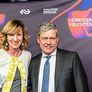 NLD/Amsterdam/20170324 - Boekenbal 2017, Charles Groenhuijsen en partner Karin