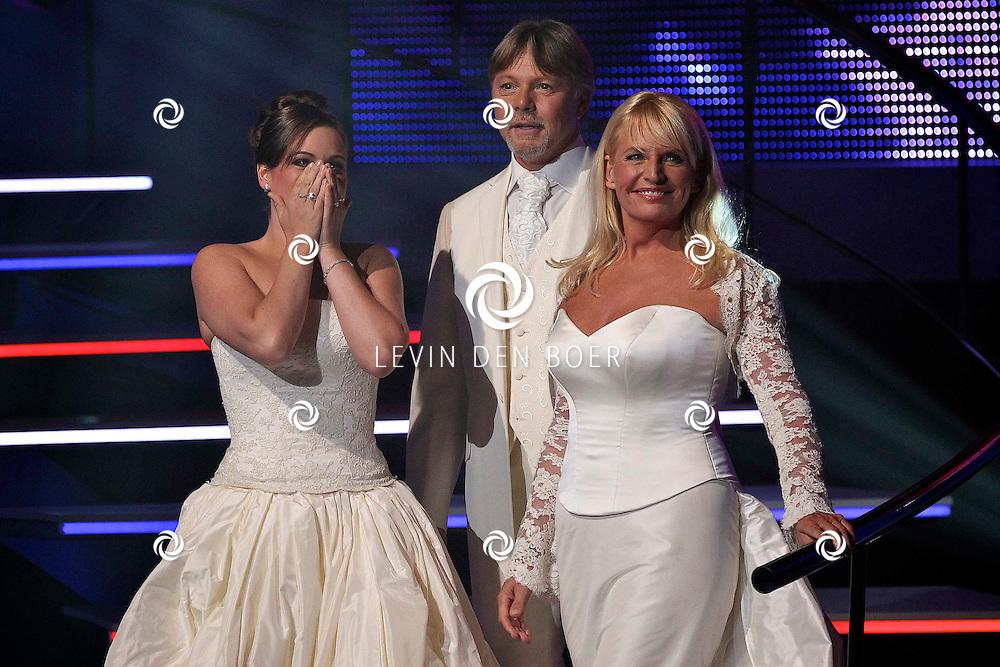 HILVERSUM - In Studio 24 is de vierde halve finale van Hollands Got Talent geweest.  Met op de foto de Opera Familia bestaande uit Sopraan Belinda Vermeer, Mezzo Sopraan Carla van der Veldt en Bariton Paul van der Veldt. FOTO LEVIN DEN BOER - PERSFOTO.NU