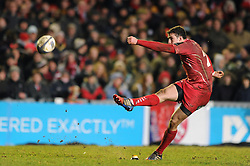 Scarlets replacement, Steven Shingler converts - Photo mandatory by-line: Dougie Allward/JMP - Mobile: 07966 386802 - 16/01/2015 - SPORT - Rugby - Leicester - Welford Road - Leicester Tigers v Scarlets - European Rugby Champions Cup