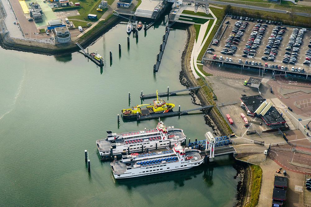 Nederland, Friesland, Groningen, Lauwersoog, 04-11-2018; Haven en Veerhaven voor veerdienst naar Schiermonnikoog. Schutsluis Robbengatsluis tussen Lauwersmeer en Waddenzee.<br /> Lauwersmeer and harbour on the border between Groningen and Friesland, Wadden sea and former Lauwers sea.<br /> <br /> luchtfoto (toeslag op standaard tarieven);<br /> aerial photo (additional fee required);<br /> copyright © foto/photo Siebe Swart