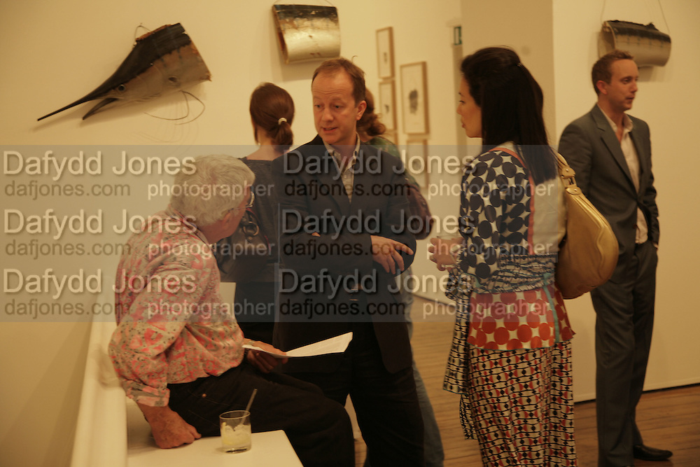 Graham McCarthy, Graham Southern and Debbie Berger, Al Taylor private view. Haunch of Venison. London. 13 September 2006. ONE TIME USE ONLY - DO NOT ARCHIVE  © Copyright Photograph by Dafydd Jones 66 Stockwell Park Rd. London SW9 0DA Tel 020 7733 0108 www.dafjones.com