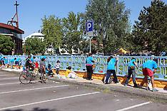 20120506 ALUNNI E GENITORI DIPINGONO INSIEME LA SCUOLA DON MILANI