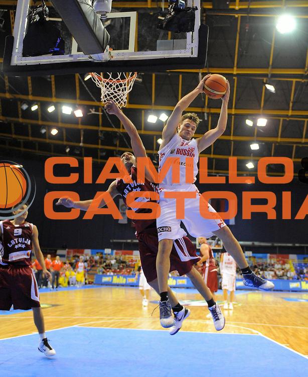 DESCRIZIONE : Gdansk Poland Polonia Eurobasket Men 2009 Preliminary Round Russia Lettonia Russia Latvia<br /> GIOCATORE : Aleksey Zozulin<br /> SQUADRA : Russia Russia<br /> EVENTO : Eurobasket Men 2009<br /> GARA : Russia Lettonia Russia Latvia<br /> DATA : 07/09/2009 <br /> CATEGORIA : rimbalzo rebound<br /> SPORT : Pallacanestro <br /> AUTORE : Agenzia Ciamillo-Castoria/T.Wiedensohler<br /> Galleria : Eurobasket Men 2009 <br /> Fotonotizia : Gdansk Poland Polonia Eurobasket Men 2009 Preliminary Round Russia Lettonia Russia Latvia<br /> Predefinita :