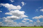 Nederland, Nijmegen, 28-7-2009Blauwe lucht met wolken.Foto: Flip Franssen/Hollandse Hoogte