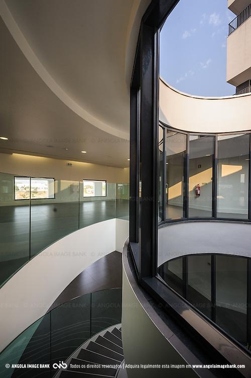 Interiores da Academia BAI em Talatona, Luanda Sul, construida pela GRINER. Província de Luanda, Angola
