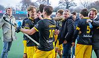 AMSTELVEEN -  Gijs Campbell (Den Bosch) met Laz Omrani (Den Bosch)   na de competitie hoofdklasse hockeywedstrijd mannen, Amsterdam- Den Bosch (2-3).  . COPYRIGHT KOEN SUYK