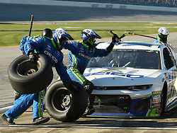 October 14, 2018 - Talladega, AL, U.S. - TALLADEGA, AL - OCTOBER 14: The crew of Ty Dillon, Germain Racing, Chevrolet Camaro GEICO (13) during the 1000Bulbs.com 500 on October 14, 2018, at Talladega Superspeedway in Tallageda, AL.(Photo by Jeffrey Vest/Icon Sportswire) (Credit Image: © Jeffrey Vest/Icon SMI via ZUMA Press)