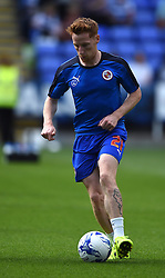 Stephen Quinn of Reading warms up - Mandatory by-line: Paul Knight/JMP - Mobile: 07966 386802 - 22/08/2015 -  FOOTBALL - Madejski Stadium - Reading, England -  Reading v MK Dons - Sky Bet Championship