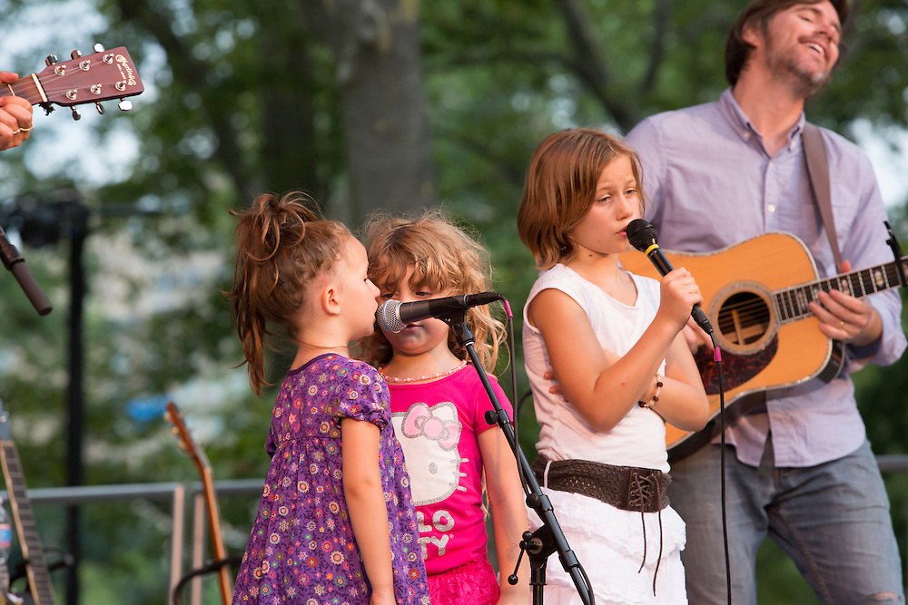 Three of Arlo's grandchildren, clearly performng on stage not for the first time.