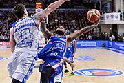 DESCRIZIONE : Beko Legabasket Serie A 2015- 2016 Dinamo Banco di Sardegna Sassari - Acqua Vitasnella Cantu'<br /> GIOCATORE : Walter Hodge<br /> CATEGORIA : Tiro Penetrazione Sottomano Fallo<br /> SQUADRA : Acqua Vitasnella Cantu'<br /> EVENTO : Beko Legabasket Serie A 2015-2016<br /> GARA : Dinamo Banco di Sardegna Sassari - Acqua Vitasnella Cantu'<br /> DATA : 24/01/2016<br /> SPORT : Pallacanestro <br /> AUTORE : Agenzia Ciamillo-Castoria/L.Canu