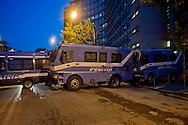 Roma 29 Novembre 2013<br /> Manifestazione  dei  Movimenti per il diritto all'abitare che manifestano per la strade della Garbatella fino alla Regione Lazio per chiedere misure per far fronte all'emergenza abitativa a Roma. I mezzi della polizia chiudono le strade intorno alla regione Lazio
