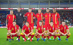 10.09.2013, Stamford Bridge, Cardiff, ENG, FIFA WM Qualifikation, Wales vs Serbien, Rueckspiel, im Bild Wales' players line up for a team group photograph during the FIFA World Cup Qualifier second leg Match between Wales and Serbia at the Stamford Bridge stadium in Cardiff, Great Britain on 2013/09/10. EXPA Pictures © 2013, PhotoCredit: EXPA/ Propagandaphoto/ David Rawcliffe<br /> <br /> ***** ATTENTION - OUT OF ENG, GBR, UK *****