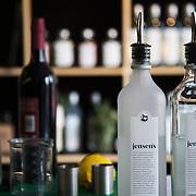 Bermondsey Distillery, the makers of Jensen's Gin. Bermondsey Gin is established and owned by Christian Errboe Jensen. <br /> <br /> Bermondsey Distillery, kendt for deres Jensen's Gin, startet og ejet af danskeren  Christian Jensen.