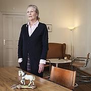 Psychologische Psychotherapeutin in Berlin-Charlottenburg, hat eine Zulassung in tiefenpsychologisch fundierter Psychotherapie und Ausbildungen in Gesprächstherapie, Gestalttherapie und systemischer Therapie. Außerdem bietet sie in der brandenburgischen Uckermark Kompetenztraining und Psychotherapie mit Pferden an