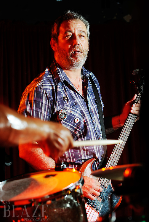 Mike Watt and the Missing Men live in Cleveland, OH 2011