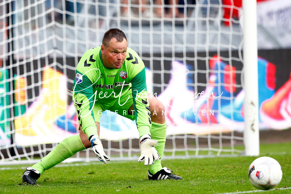 Onderwerp/Subject: FC Utrecht - Eredivisie<br /> Reklame:  <br /> Club/Team/Country: <br /> Seizoen/Season: 2013/2014<br /> FOTO/PHOTO: Goalkeeper Jeroen VERHOEVEN of FC Utrecht. (Photo by PICS UNITED)<br /> <br /> Trefwoorden/Keywords: <br /> #00 $94 &plusmn;1371811811150<br /> Photo- &amp; Copyrights &copy; PICS UNITED <br /> P.O. Box 7164 - 5605 BE  EINDHOVEN (THE NETHERLANDS) <br /> Phone +31 (0)40 296 28 00 <br /> Fax +31 (0) 40 248 47 43 <br /> http://www.pics-united.com <br /> e-mail : sales@pics-united.com (If you would like to raise any issues regarding any aspects of products / service of PICS UNITED) or <br /> e-mail : sales@pics-united.com   <br /> <br /> ATTENTIE: <br /> Publicatie ook bij aanbieding door derden is slechts toegestaan na verkregen toestemming van Pics United. <br /> VOLLEDIGE NAAMSVERMELDING IS VERPLICHT! (&copy; PICS UNITED/Naam Fotograaf, zie veld 4 van de bestandsinfo 'credits') <br /> ATTENTION:  <br /> &copy; Pics United. Reproduction/publication of this photo by any parties is only permitted after authorisation is sought and obtained from  PICS UNITED- THE NETHERLANDS