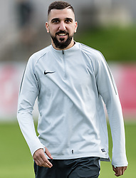11.04.2018, Taxham, Salzburg, AUT, UEFA EL, FC Salzburg vs SS Lazio Roma, Viertelfinale, Rueckspiel, Abschlusstraining FC Salzburg, im Bild Munas Dabbur (FC Salzburg) //Munas Dabbur (FC Salzburg) during practice session of FC Salzburg prior to the UEFA Europa League Quarterfinals, 2nd Leg Match between FC Salzburg and SS Lazio Roma at Taxham in Salzburg, Austria on 2018/04/11. EXPA Pictures © 2018, PhotoCredit: EXPA/ Stefan Adelsberger