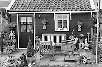 Volendam is a small town for tourist