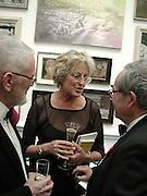 Germaine Greer. Royal Academy Annual dinner. Royal Academy. 30 May 2001. © Copyright Photograph by Dafydd Jones 66 Stockwell Park Rd. London SW9 0DA Tel 020 7733 0108 www.dafjones.com