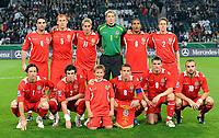Fotball<br /> Tyskland v Wales<br /> Foto: Witters/Digitalsport<br /> NORWAY ONLY<br /> <br /> 15.10.2008<br /> <br /> hinten v.l. Craig Morgan, James Collins, David Edwards, Torwart Wayne Hennessey, Ashley Williams, Christopher Gunter<br /> vorne v.l. Simon Davies, Gareth Bale, Craig Bellamy, Jason Koumas, Carl Flechter Wales<br /> Fussball WM-Qualifikation Deutschland - Wales 1:0<br /> <br /> Lagbilde Wales