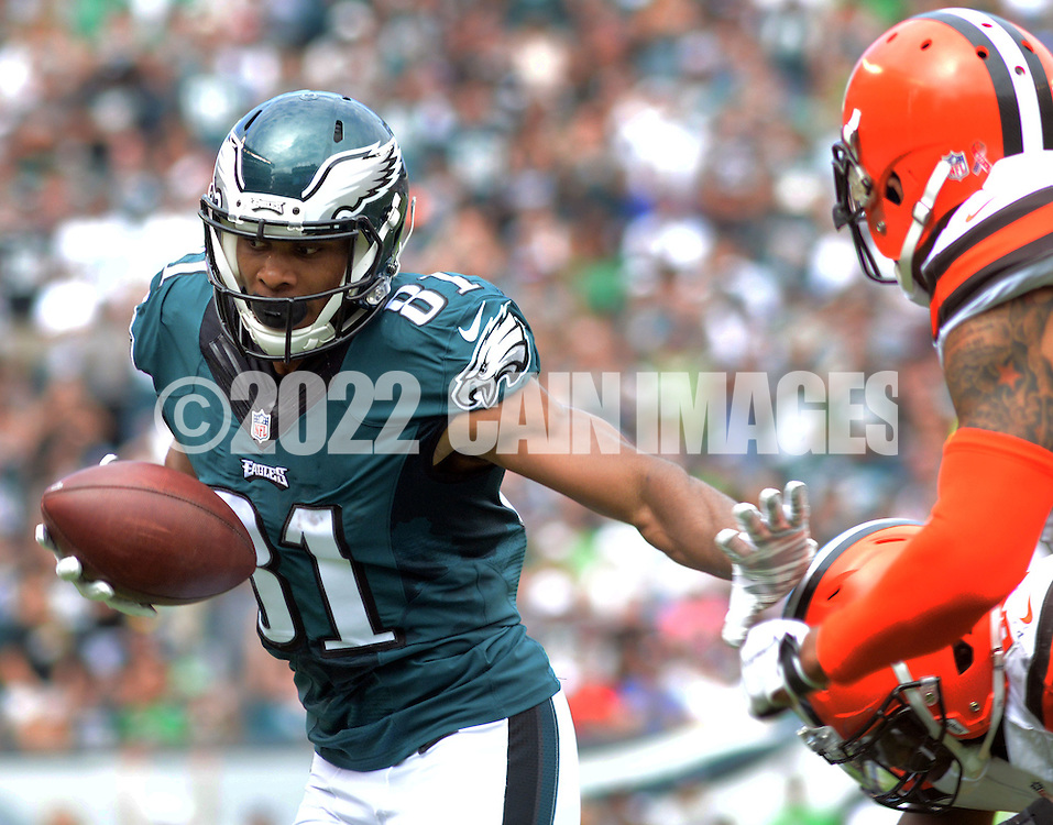 Philadelphia Eagles Jordan Matthews runs after a catch against the Cleveland Browns, September 11, 2016 at Lincoln Financial Field in Philadelphia, Pennsylvania.  (Photo by William Thomas Cain)