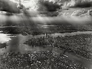 Coming in for landing at LaGuardia airport in New York City, June 22, 2015. Shot with iPhone 6Plus.