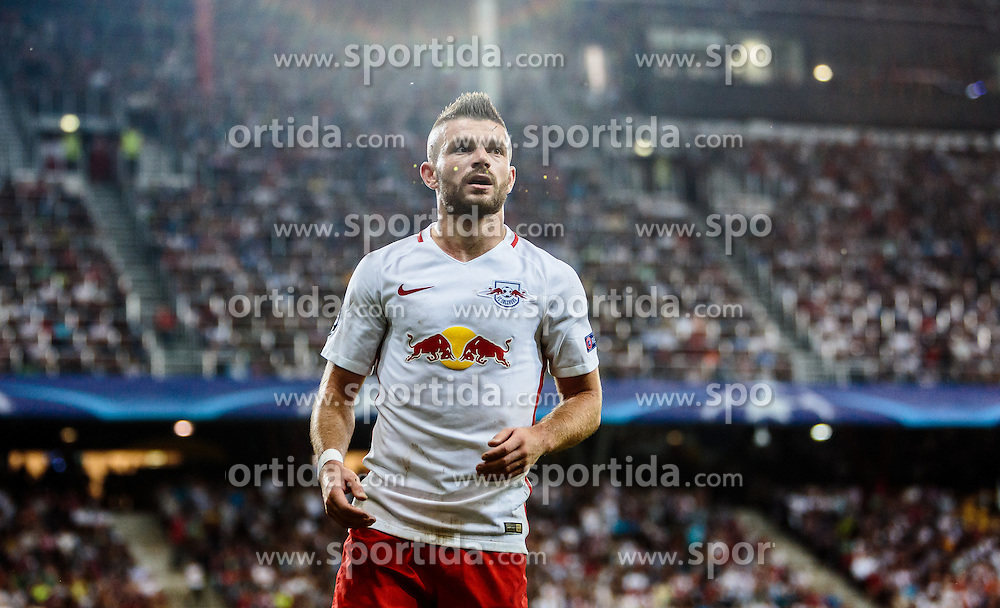 24.08.2016, Red Bull Arena, Salzburg, AUT, UEFA CL, FC Red Bull Salzburg vs Dinamo Zagreb, Play off, Rueckspiel, im Bild Valon Berisha (FC Red Bull Salzburg) // during the UEFA Championsleague Play off 2nd Leg Match between FC Red Bull Salzburg and Dinamo Zagreb at the Red Bull Arena in Salzburg, Austria on 2016/08/24. EXPA Pictures © 2016, PhotoCredit: EXPA/ JFK