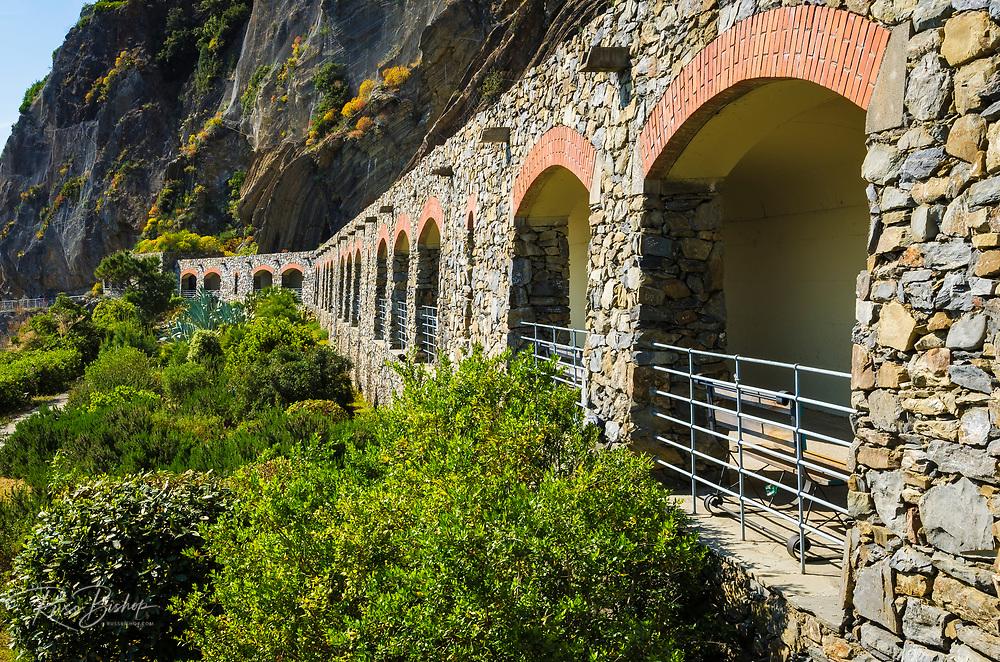 Tunnel on the Via dell'Amore (The Way of Love), Riomaggiore, Cinque Terre, Liguria, Italy