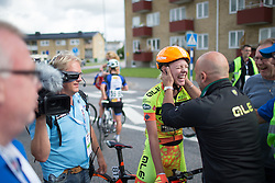 Ale-Cipollini Cycling Team DS Fortunato Lacquaniti congratulates Emilia Fählin for winning the 141 km road race of the UCI Women's World Tour's 2016 Crescent Vårgårda women's road cycling race on August 21, 2016 in Vårgårda, Sweden. (Photo by Balint Hamvas/Velofocus)