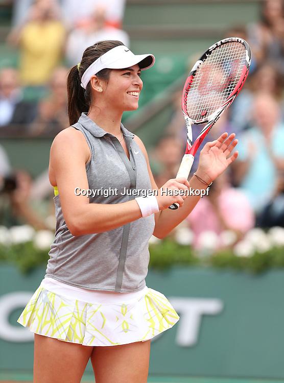 French Open 2014, Roland Garros,Paris,ITF Grand Slam Tennis Tournament,<br /> Alja Tomljanovic (CRO)  jubelt nach ihrem Sieg,Freude,<br /> Emotion,Einzelbild,Halbkoerper,Hochformat,