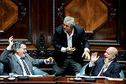 20180410/ Javier Calvelo - adhocFOTOS/ URUGUAY/ MONTEVIDEOl/ Sesion de la c&aacute;mara de Senadores para tratar la extensi&oacute;n del seguro de paro de trabajadores de varias empresas entre ellas Fanapel y Envidrio.<br /> En la foto: Pedro Bordaberry, Jorge Larra&ntilde;aga y Germ&aacute;n Coutinho durante el plenario en la C&aacute;mara de senadores del Palacio Legislativo. Foto: Javier Calvelo/ adhocFOTOS