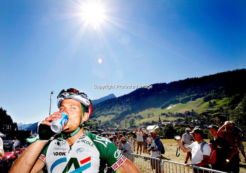 Le Grand-Bornand, 20070714. Tour de France. En sliten og varm Thor Hushovd etter den første klatre-etappen i alpene...Foto: Daniel Sannum Lauten/Dagbladet *** Local Caption *** Hushovd,Thor