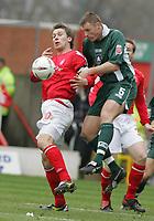 Photo:Paul Thomas. Nottingham Forest v Plymouth Argyle, City Ground, Nottingham. 09/04/2005. Gareth Taylor and Graham Coughlan.