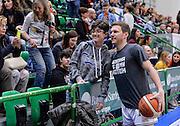 DESCRIZIONE : Dinamo Banco di Sardegna Sassari All Stars Legends Night<br /> GIOCATORE : Travis Diener Fans<br /> CATEGORIA : Tifosi Pubblico Spettatori<br /> SQUADRA : Dinamo Banco di Sardegna Sassari<br /> EVENTO : Dinamo Banco di Sardegna Sassari All Stars Legends Night<br /> GARA : Dinamo Banco di Sardegna Sassari - Alba Berlino Veterans<br /> DATA : 14/05/2016<br /> SPORT : Pallacanestro <br /> AUTORE : Agenzia Ciamillo-Castoria/L.Canu