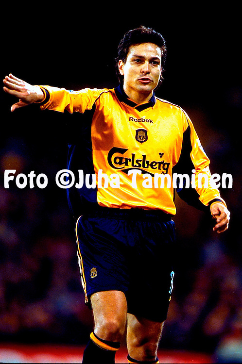 10.1.2001, Selhurst Park, London, England. <br /> Worthington Cup, Semi Final, 1st leg match, Crystal Palace FC v Liverpool FC. <br /> Jari Litmanen - Liverpool