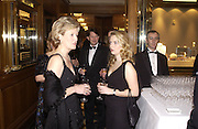 Lady Chadlington and  Sybilla Rufus-Isaacs. Crillon Debutantes Ball 2002. Paris. 7 December 2002. © Copyright Photograph by Dafydd Jones 66 Stockwell Park Rd. London SW9 0DA Tel 020 7733 0108 www.dafjones.com