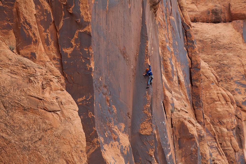 Matt Pesce on Man After Midnight, 5.11c, Wallstreet, Moab, Utah